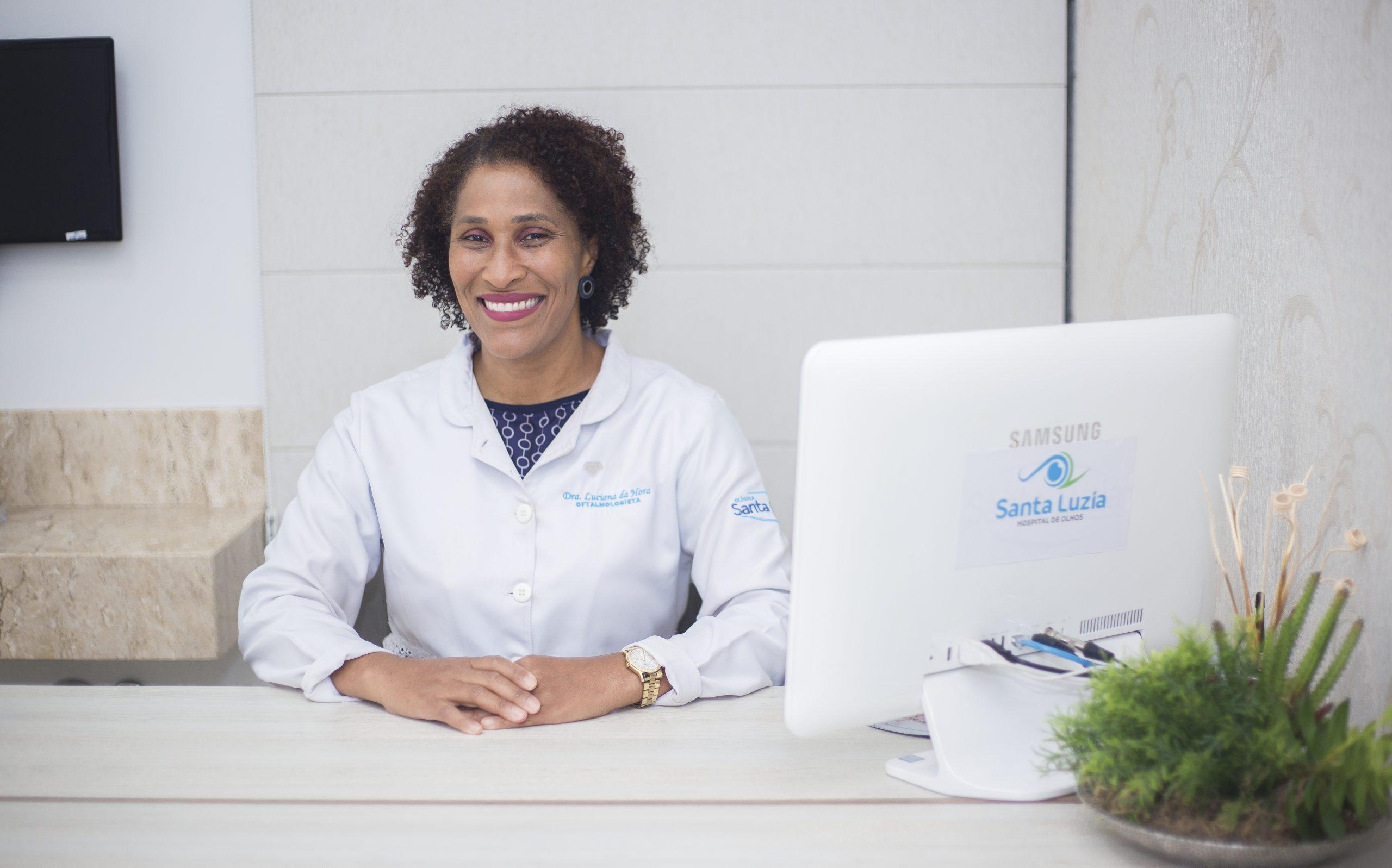 Dra Luciana Marla Tavares da Hora
